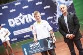 спорт - тенис -  заместник  Министър Йордан Йовчев   награждава  победителите на  турнира