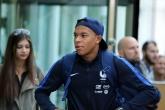 Футбол - Пристигане на отбора на Франция в София - 06.10.17
