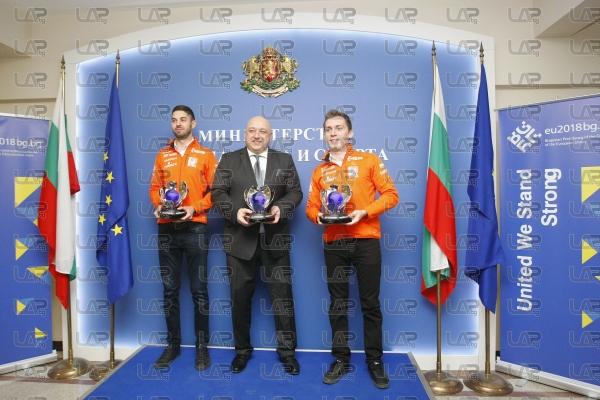 Красен Кралев връчи купите на ФИА на отличилите се български състезател - 10.01.2018