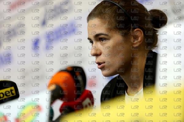 Борба - награждаване - спортист на месеца - Тайбе Юсеин - 08.10.2019